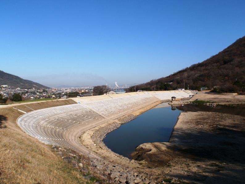 加茂地区鴻ノ池改修工事
